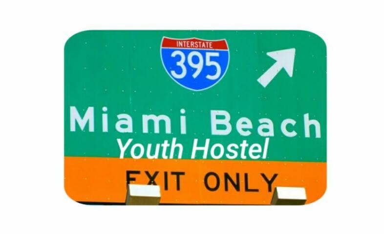 Miami Beach Youth Hostel (Females Room A-1)