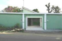 Fachada principal- casa Mangueirão da Chapada