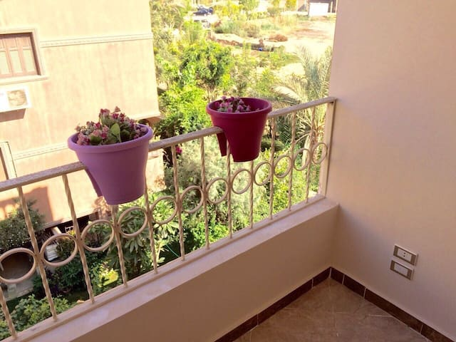 A nice sunny new apartment in a family building - Giza Governorate - Apartment