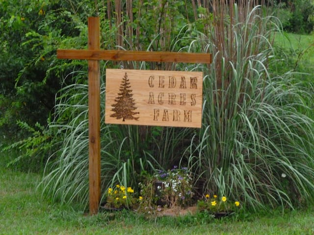 Cedar Acres Farm - Close to Perry Lake