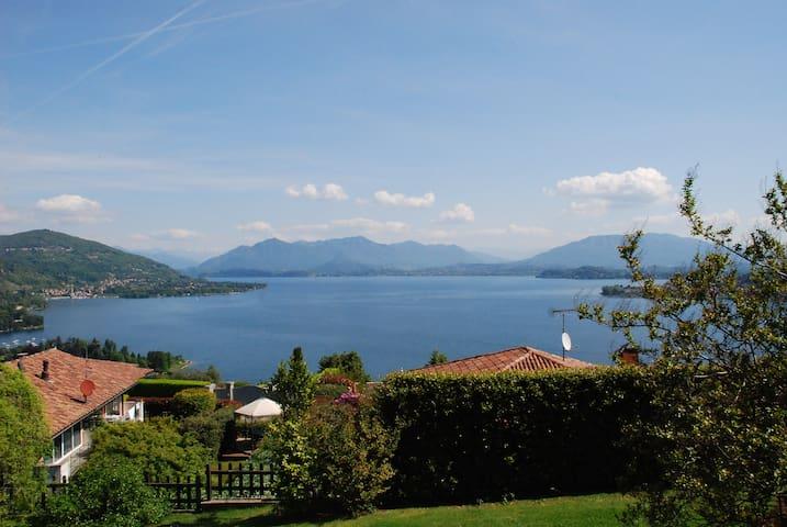 Villa Lake Maggiore with stunning view - Meina - Villa