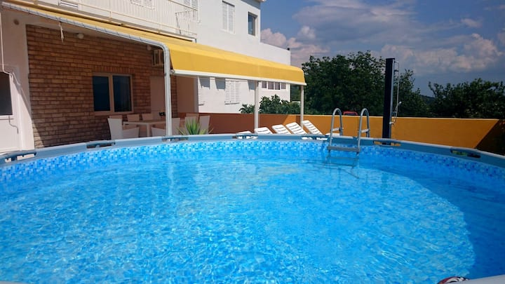ctim296 - Apartment with gym and pool for 6 + 2 persons