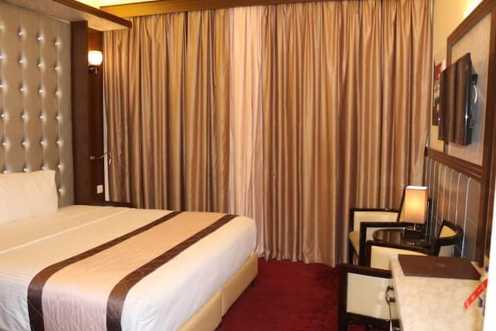 Deira Amazing Private Room with balcony and clean