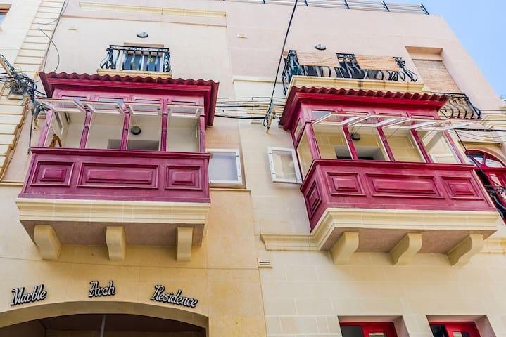 Traditional Maltese Large Apartment Near the Sea