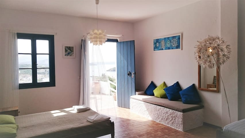 7 Olives apartment with terrace - the best seaview