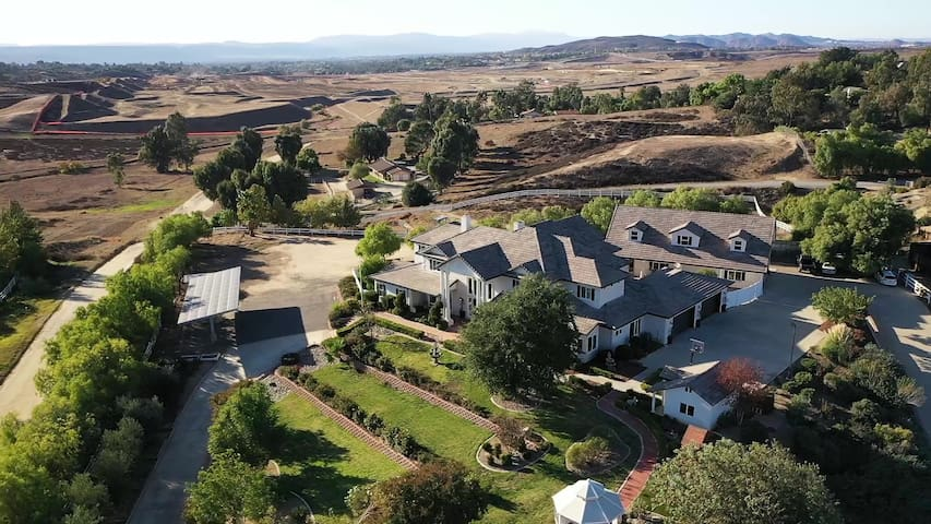 Temecula Wine Country Grand Contento Estate Sleeps 16