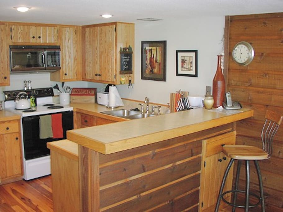 Golf_Creek12-Golf Creek 12 - Kitchen