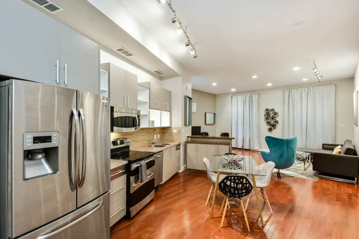 The Dreamers Loft - Stylish 1BD in Center City
