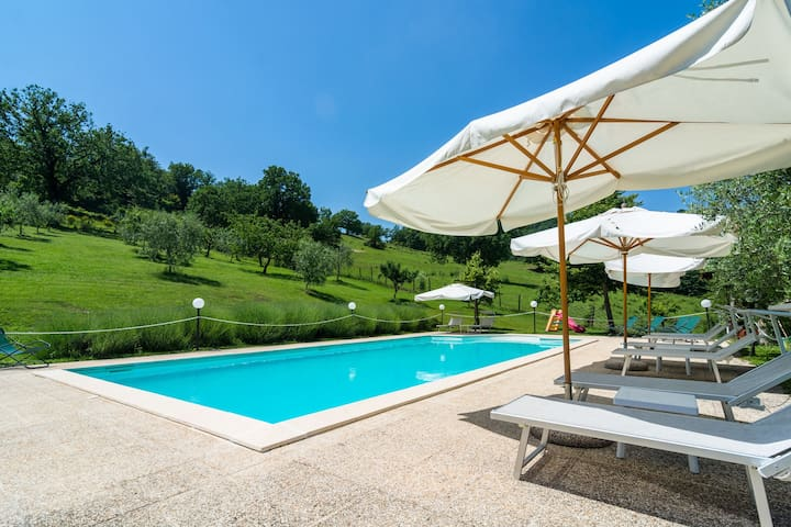 Farmhouse in hilly area, swimming pool and panoramic terrace