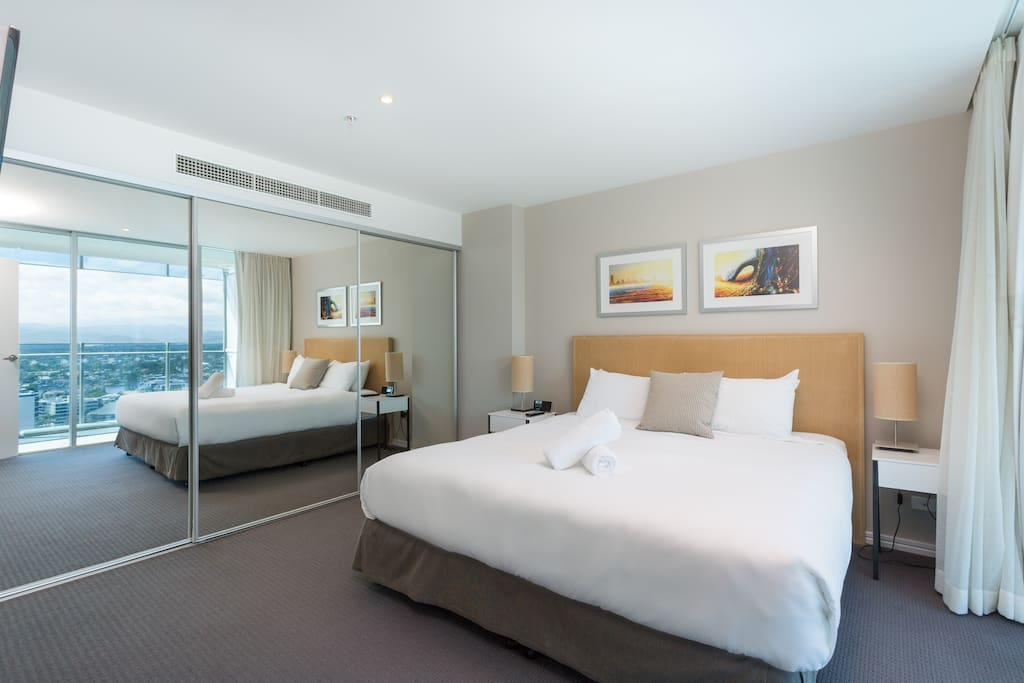 H Residences - Holiday Holiday
