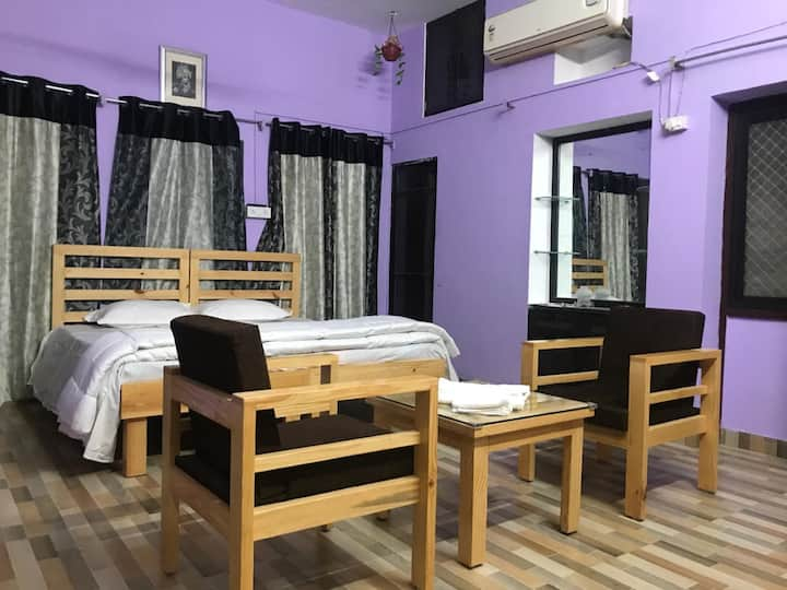 Parmanand Homestays- Bed & Breakfast