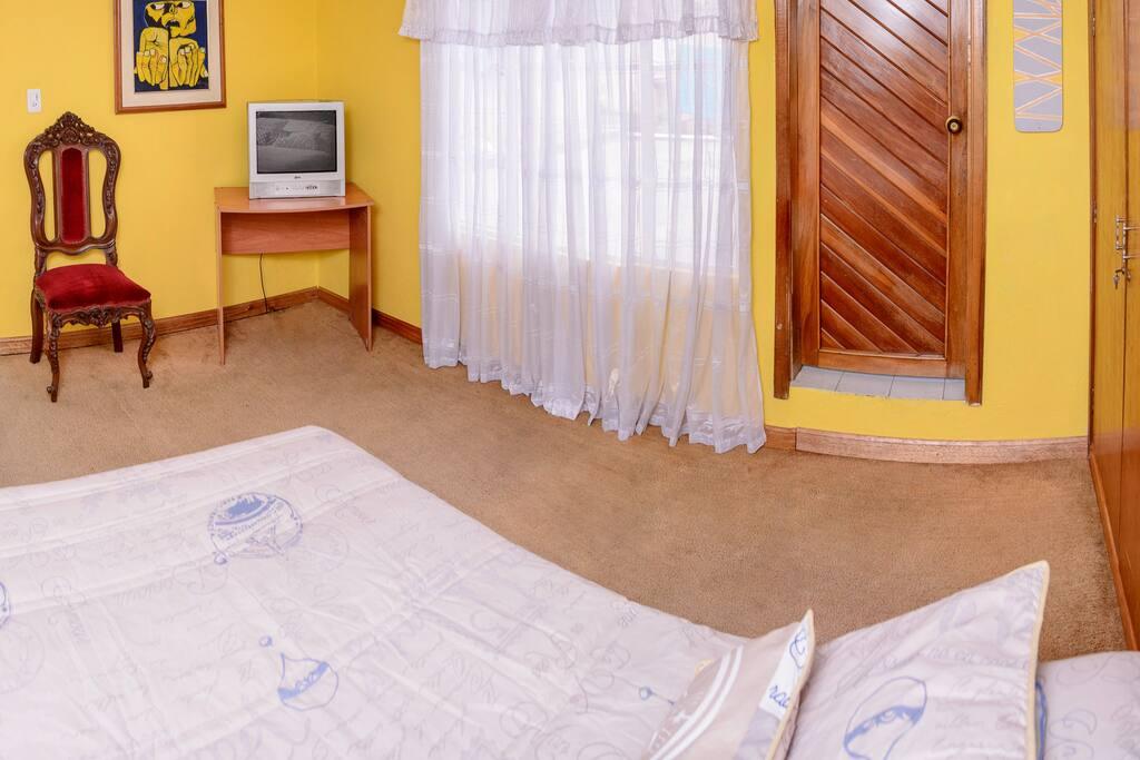 Amplia y acogedora habitación en una terraza