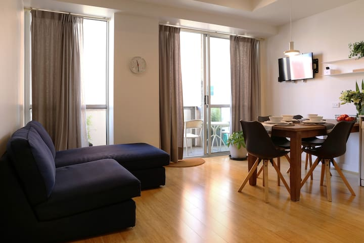 Two Bedrooms in central Melbourne's CBD!