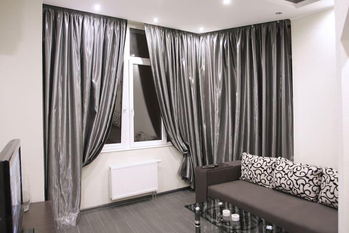 Уютная квартира 31 возле посольстваСША