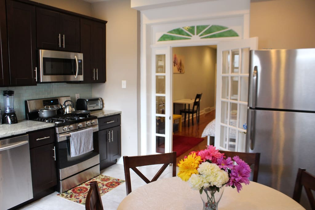 1BR Apt on Broad St in Passyunk Sq. with backyard ...