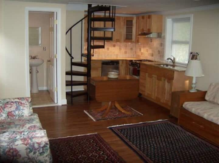 Furnished Carriage House Short or LongTerm