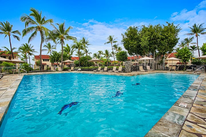 Oceanfront Kona Home condo for big groups