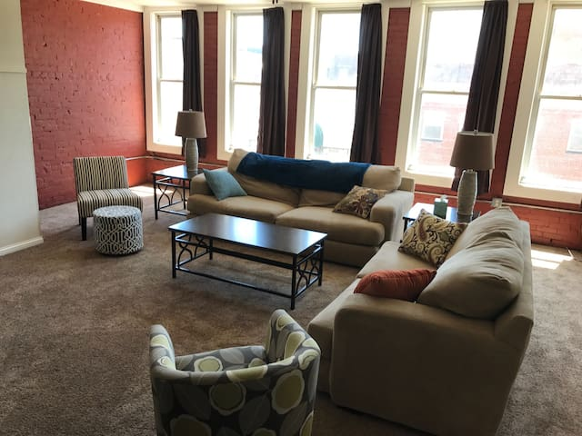 Huge Apartment in the Heart of Downtown Eau Claire
