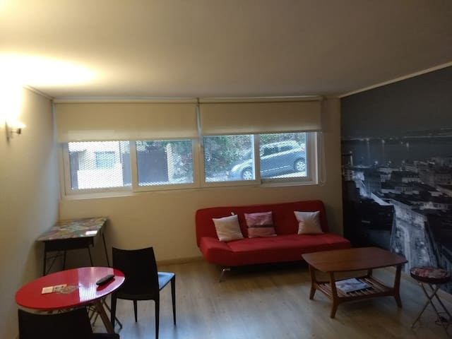 Excelente Estudio, en primer piso