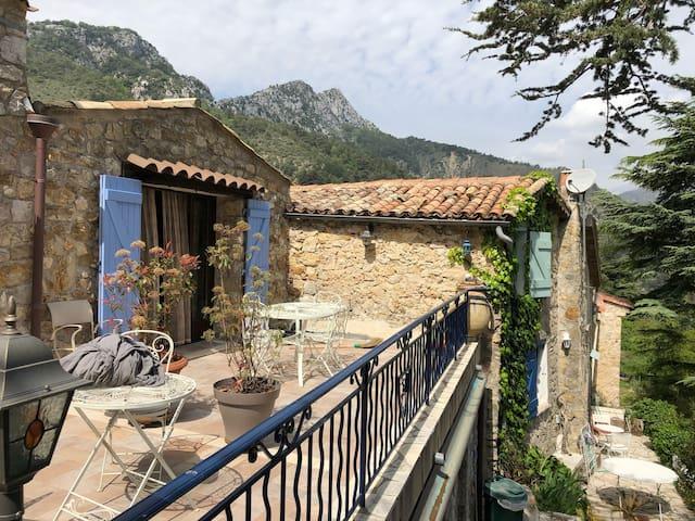 Charmante maison au village de Sainte-Agnès
