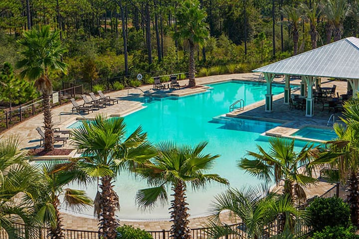 Brand New Home! 4 Bikes! OVER 2,500 SQ FT! Sleeps Eighteen! Stay Awhile at Naturewalk on 30A