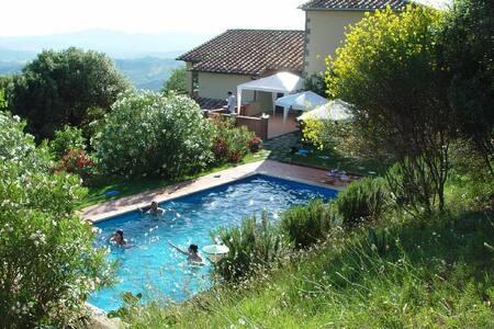 Bella colonica con piscina nella campagna toscana - Villa