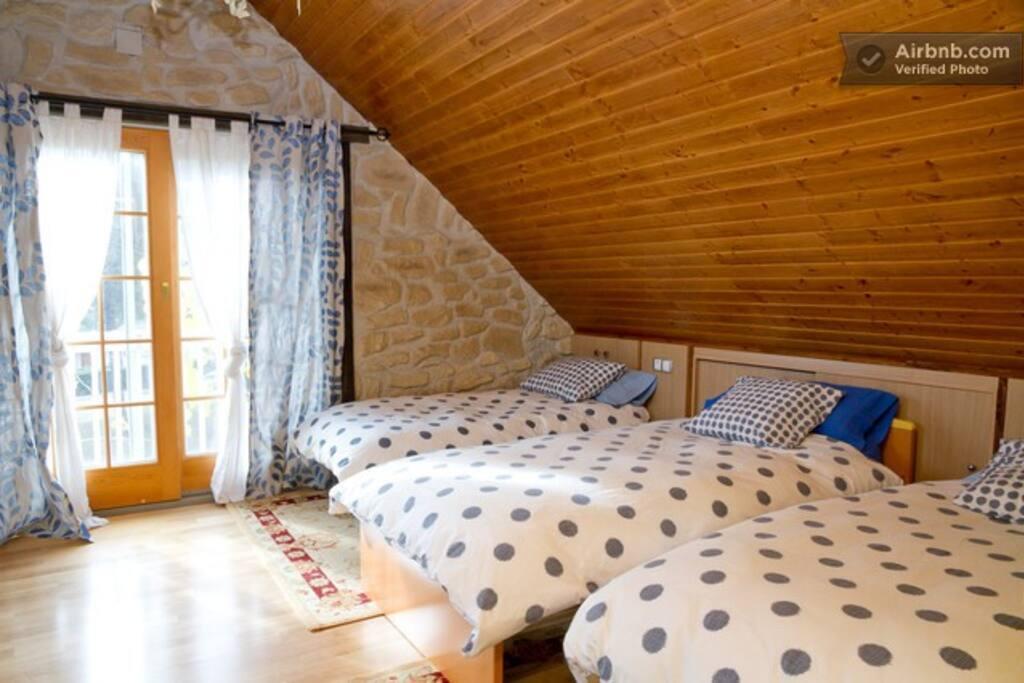 habitación buhardilla  de 25m2