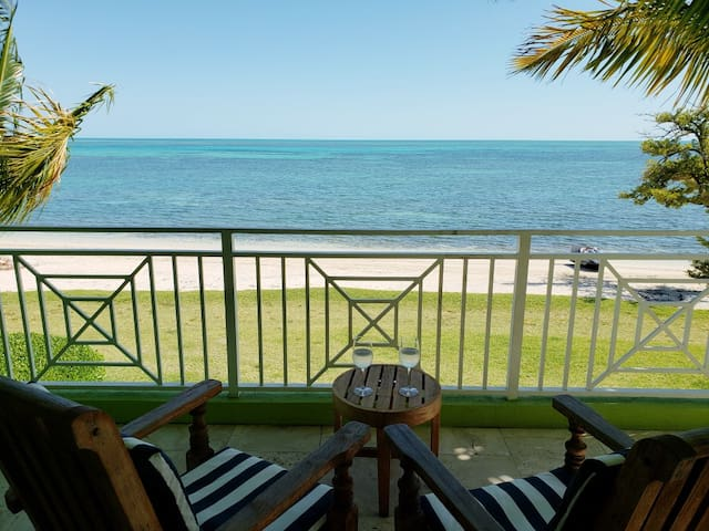 Amazing Old Bahama Bay condo from $75/nt!
