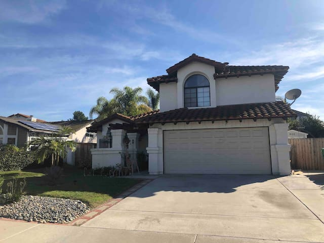 2 bedroom 1 1/2bath home 8 miles from the beach
