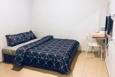 Lunas Homestay*WIFI* Double Room(3)