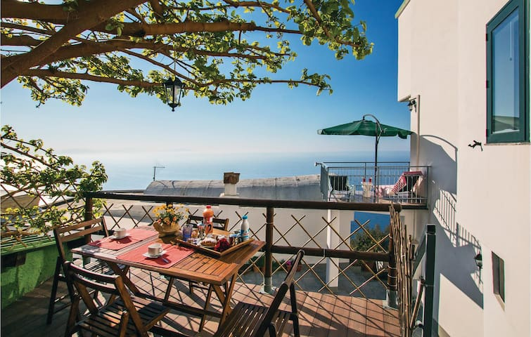 Holiday apartment with 1 bedroom on 68 m² in Furore SA