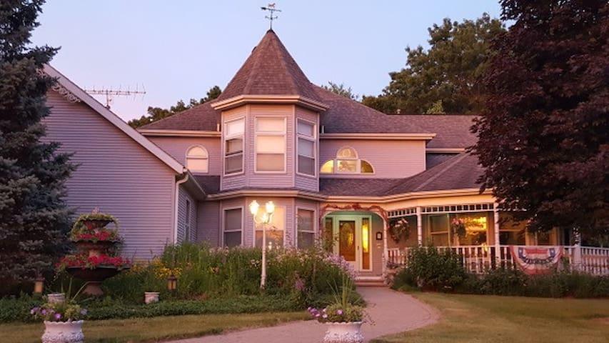 Cameo Rose Victorian Country Inn-Country Garden Rm