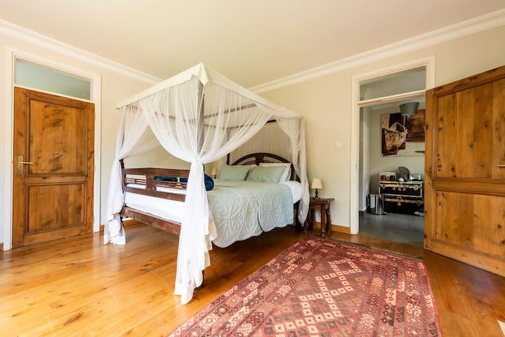 Turaco's Nest - Vibrant Guest House in Karen