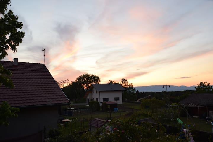 Armoy : maison avec jardin entre lac et montagnes
