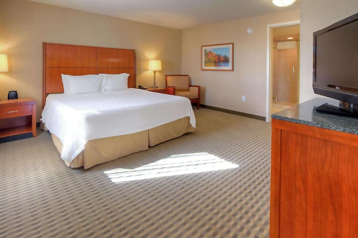 Marvelous Junior Suite Double Bed At West Great Falls