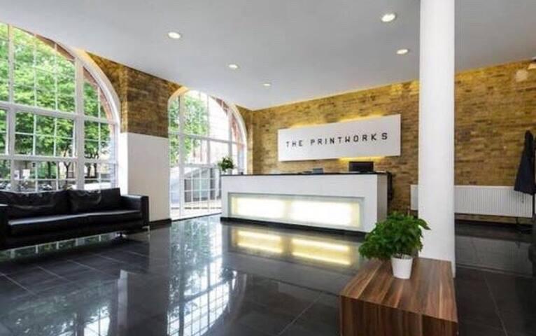 Studio flat central London