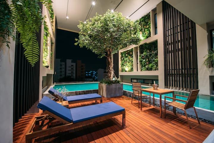 Newly built minimal design loft with infinity pool