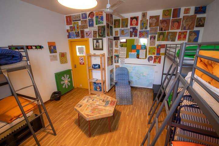 Dormitorio Green 6 posti letto misto.