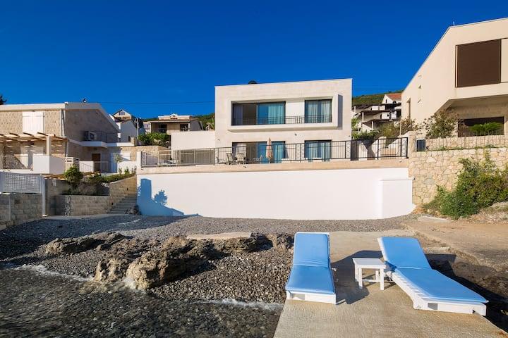 Villa Krasici, Luxury Beachfront