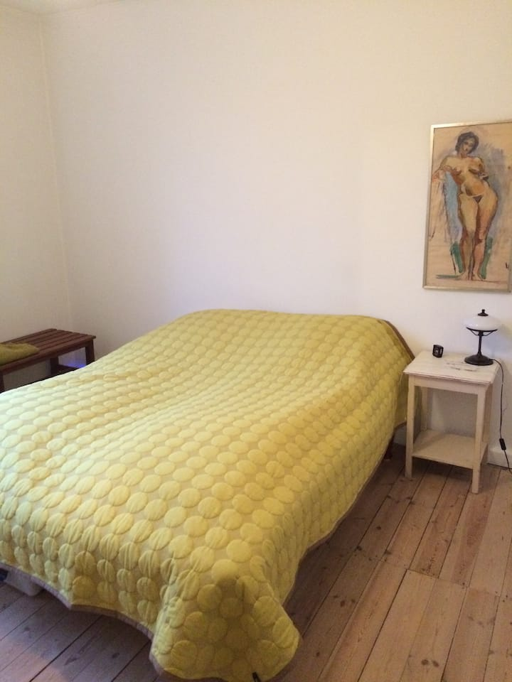 Private room in cosy, charming apartment in Holte