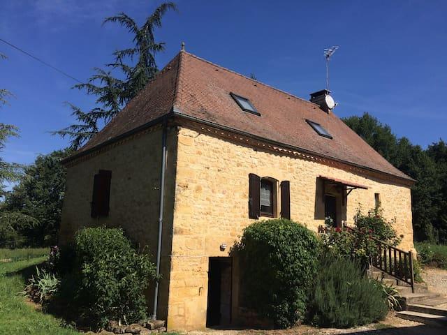 Maison de campagne entièrement à disposition - Gourdon - Casa
