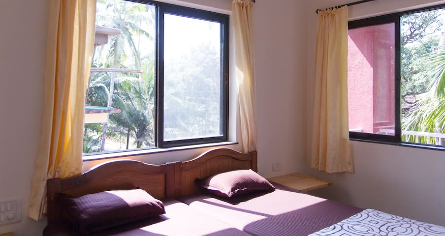 Spacious,Comfy&quiet place nr beach - Arossim - Apartment
