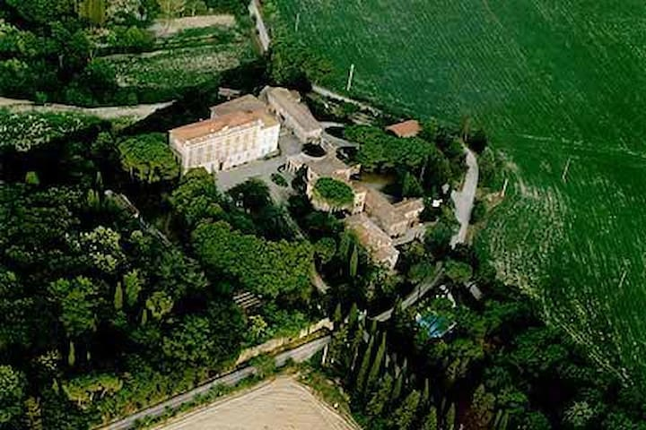 Appartamenti Bilocali 2+2 in Borgo Toscano - Chiusi - อพาร์ทเมนท์