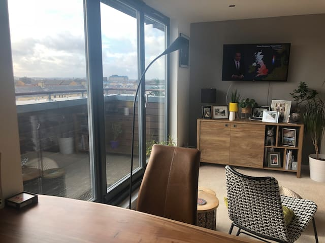 Central Penthouse flat,Parking,near Murrayfield