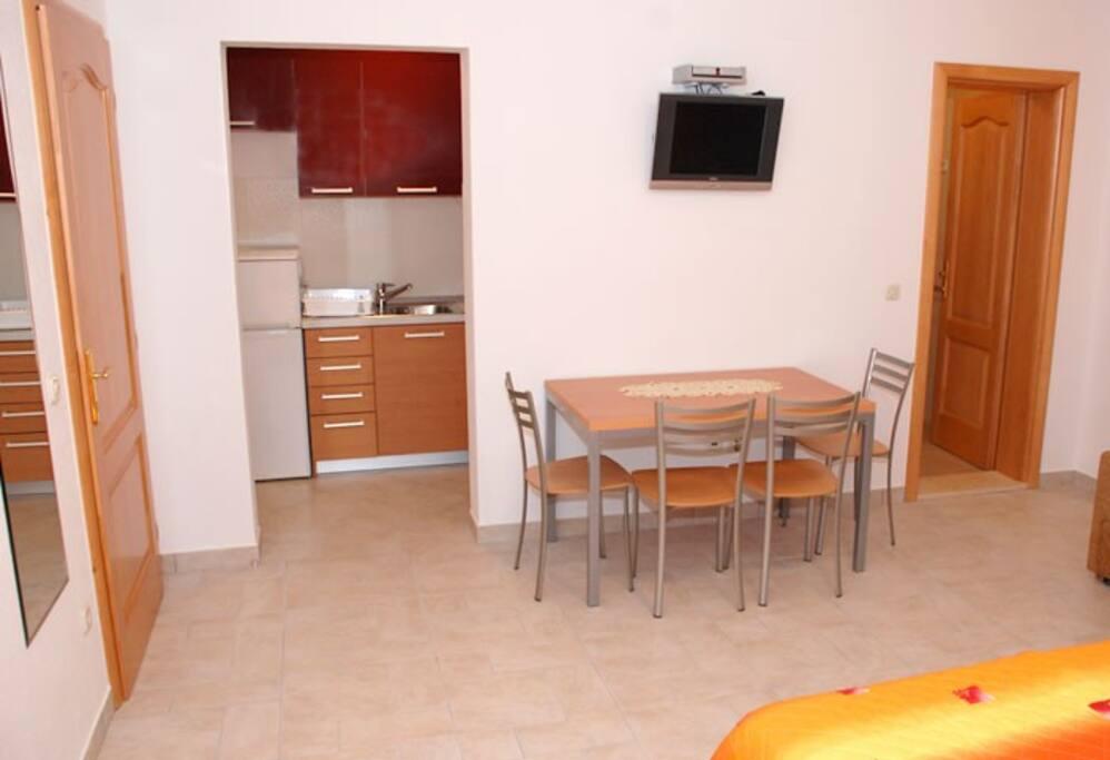 room/kitchen