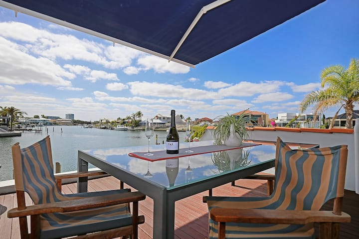 Mandurah Canals Luxury Retreat