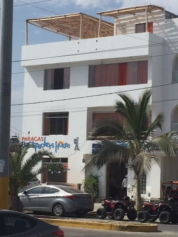 Doble Paracas Backpackers' House
