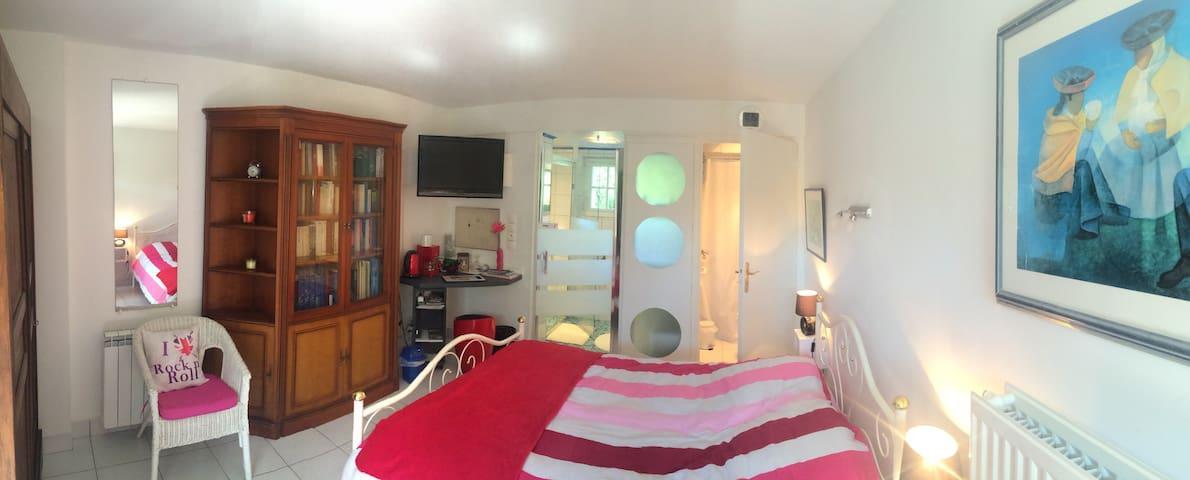 chambre indépendante tout confort - st christophe - Casa