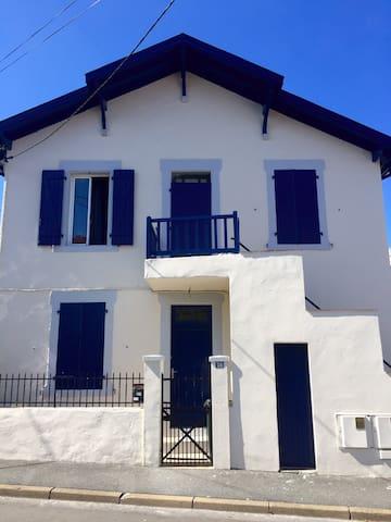 Pleasant & cosy flat in Biarritz