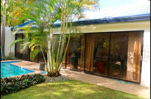 Private Villa with 5ft Pool and Garden!